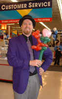 Chuck Flayhart Shows off his funny Balloon Art