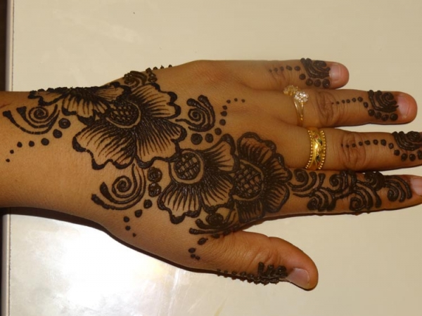 Henna tattoo design by Nisha Jain