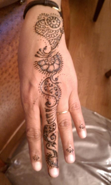 Henna Tattoo by Bhavna Naik