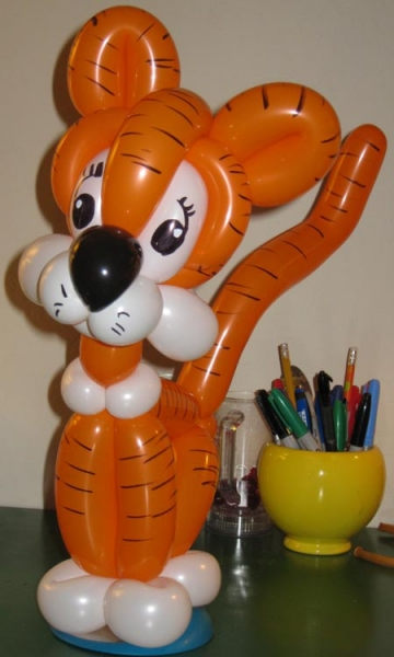 Balloon Sculpture by Ric Fout