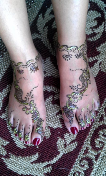 Henna Tattoo by Khushbu Thumar