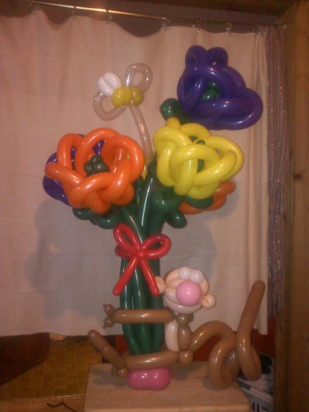 Balloon Sculpture by Gill Knip