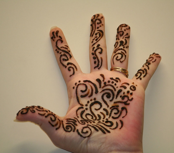 Henna Art by Darcy Manos