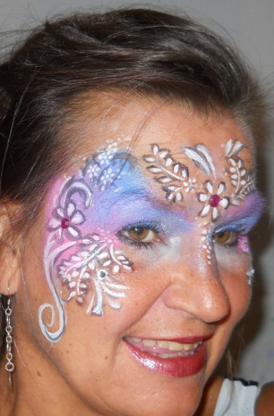 Face Painter Paige Singer