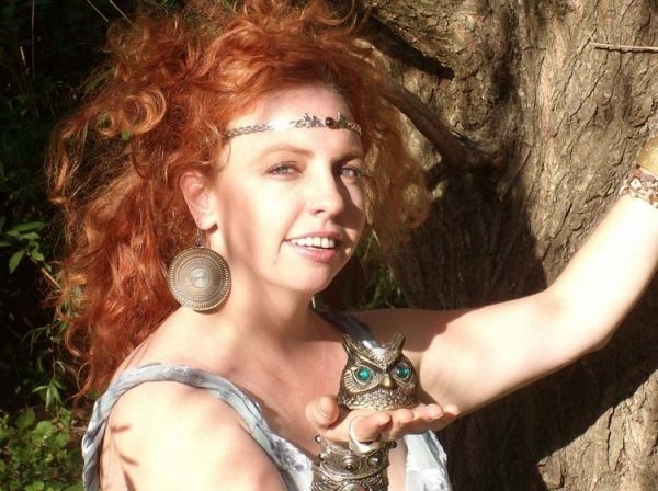 Lady Willow Fortune Teller