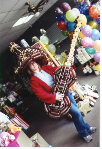 Balloon Sculptor Lincoln Johnson