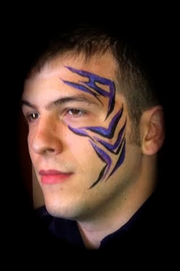 Face Painter Crystal Klein