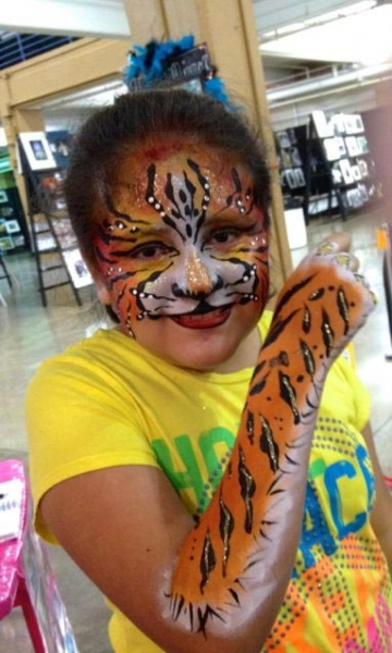 face painting by Christine Maentz