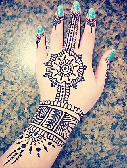 Henna by Lynn Thompson