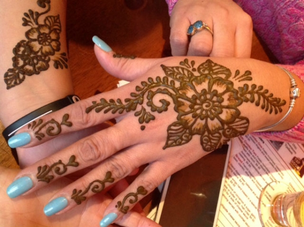 Henna by Kelly Caroline