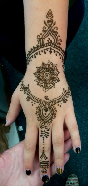 Henna by Shelbi Ciarami