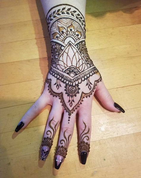 henna art by diana lucille galicia