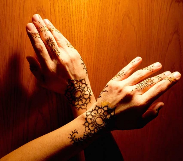 Reida Brown Henna Tattoo Artist