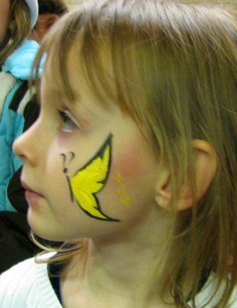Face painting of Ela Grejner-Szymko