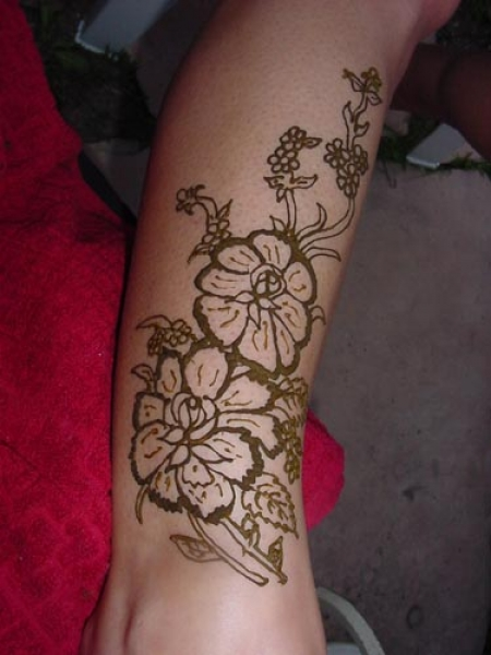 Henna tattoo design by Sue Clovers