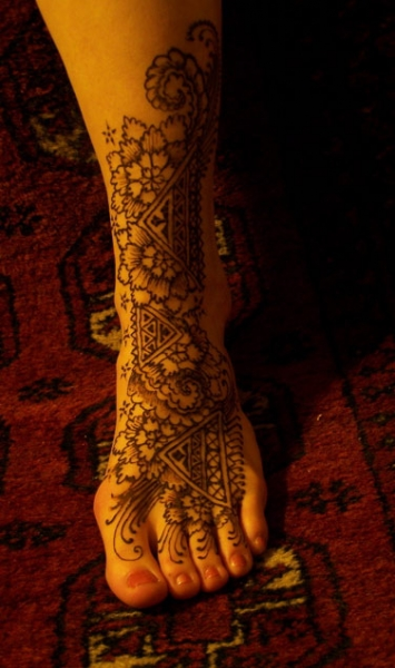 Henna tattoo design by Genevieve Levin