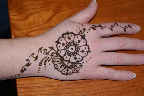 Henna tattoo design by Vicki Young