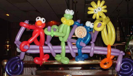 balloon sculpture by maddy b